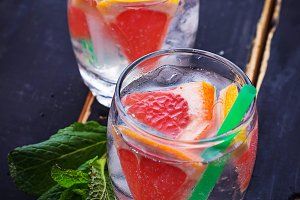 Summer drinks with grapefruit