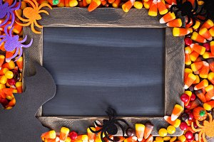 Halloween candy frame copy space