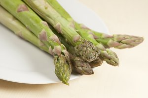 Asparagus in a glass bowl