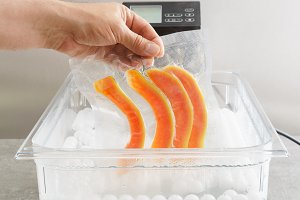 Sous vide cooking of papaya