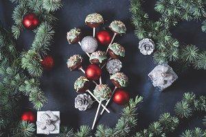 Christmas cake pops tree