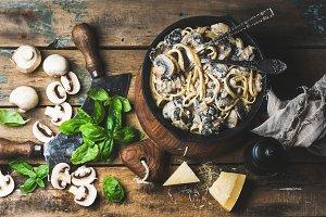Mushroom pasta spaghetti