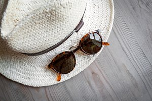 Straw hat with sunglasses