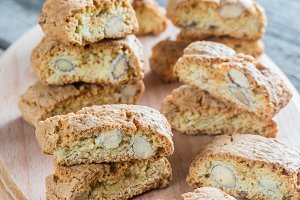 Cantuccini with almonds