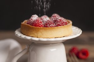 Raspberries mini pie
