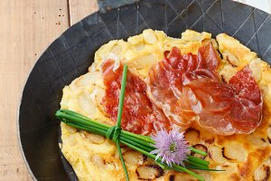 Asparagus pancakes with bacon