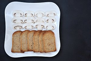 tray with slices bread