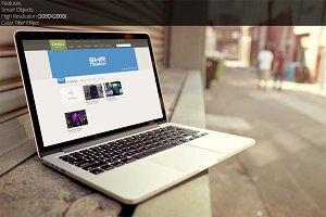 Macbook Air_Mockup_4