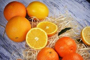 orange fruits on table