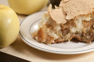 Charlotte cake with apples