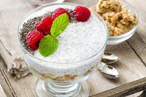 Chia yogurt with raspberries