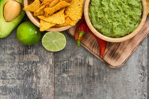 Nachos, guacamole and ingredients