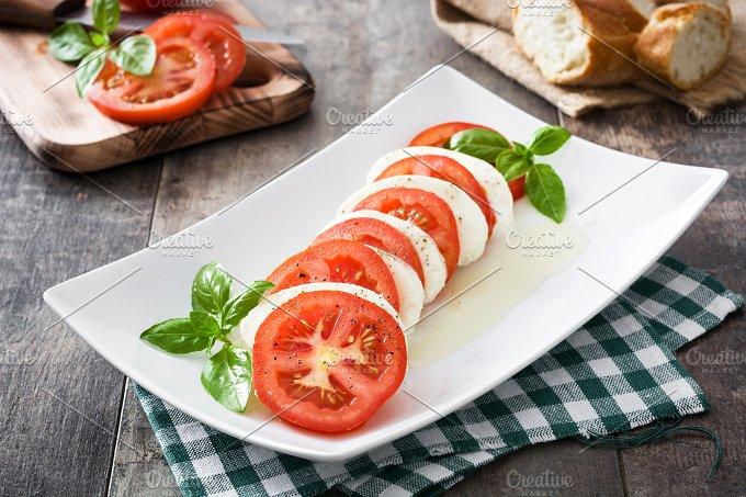 Caprese salad-Graphicriver中文最全的素材分享平台
