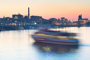 River ship motion blur