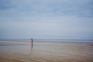 girl going to swim