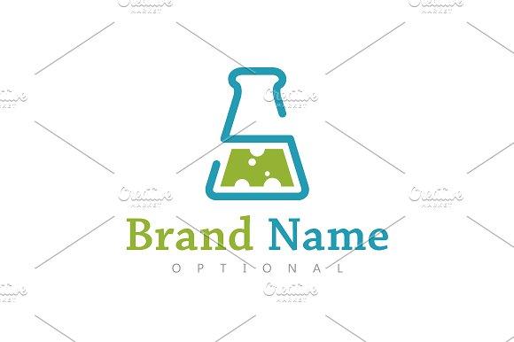 SM Lab Flask Logo