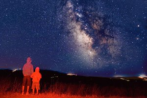 Kids Looking at the Milky Way
