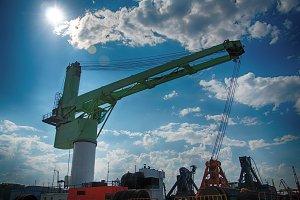 Reloading Crane