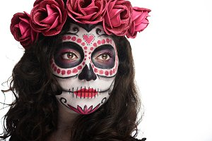 woman with skull make up