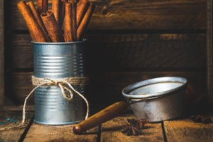 Cinnamon sticks in can tied