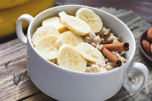 Banana oatmeal porridge