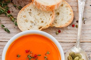Pumpkin cream soup with thyme