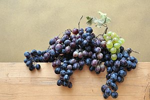 grapes bunch on wood