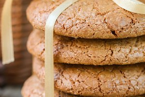 Spiced cookies with almonds