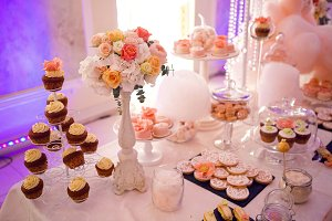 Wedding decoration in Welkome cakes cupcakes