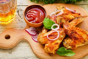 Delicious fried chicken wings