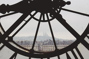 Parisan Clock