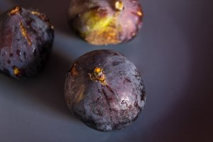 Fresh figs in macro shooting