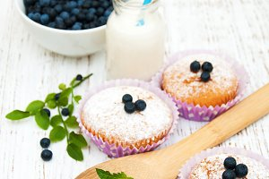 Muffins with fresh blueberries