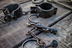 Shackles, medieval tool