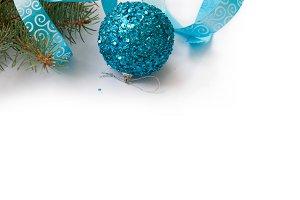 Christmas kard. Blue ball and ribbon