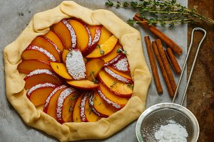 Preparation Galette with peach
