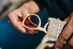 Elaboration process wood sunglasses