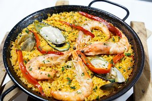 paella, seefood with rice