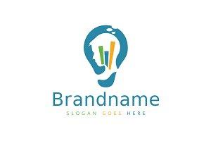 Smart Strategy Bulb Logo