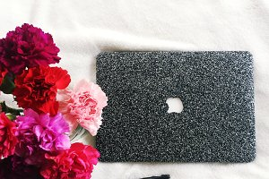 Macbook & Carnations