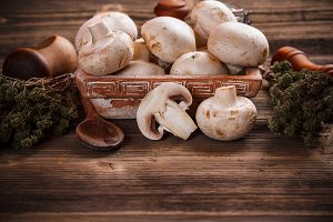 Fresh white champignons