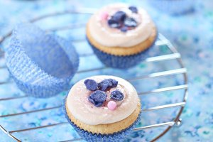 Violet White Chocolate Cupcakes