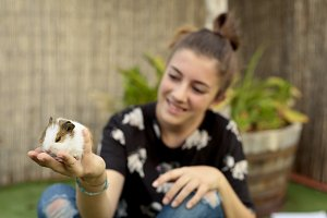 Girl happy with your Guinea pig