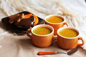 Trick-or-treat Dinner soup & sandwic