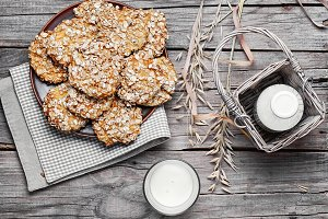 Autumn oatmeal cookies