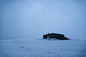 Svalbard - A lone cabin