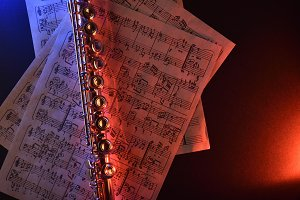 Flute score red blue lighted top