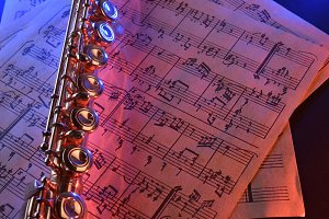 Flute score red blue light elevated