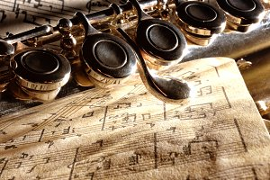 Detail transverse flute on old score
