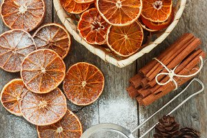 Dried oranges with powdered sugar